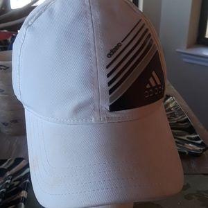 💚Nwt Adidas hat.